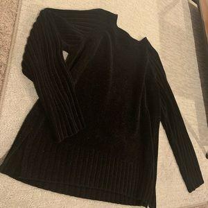 Black sweater size L